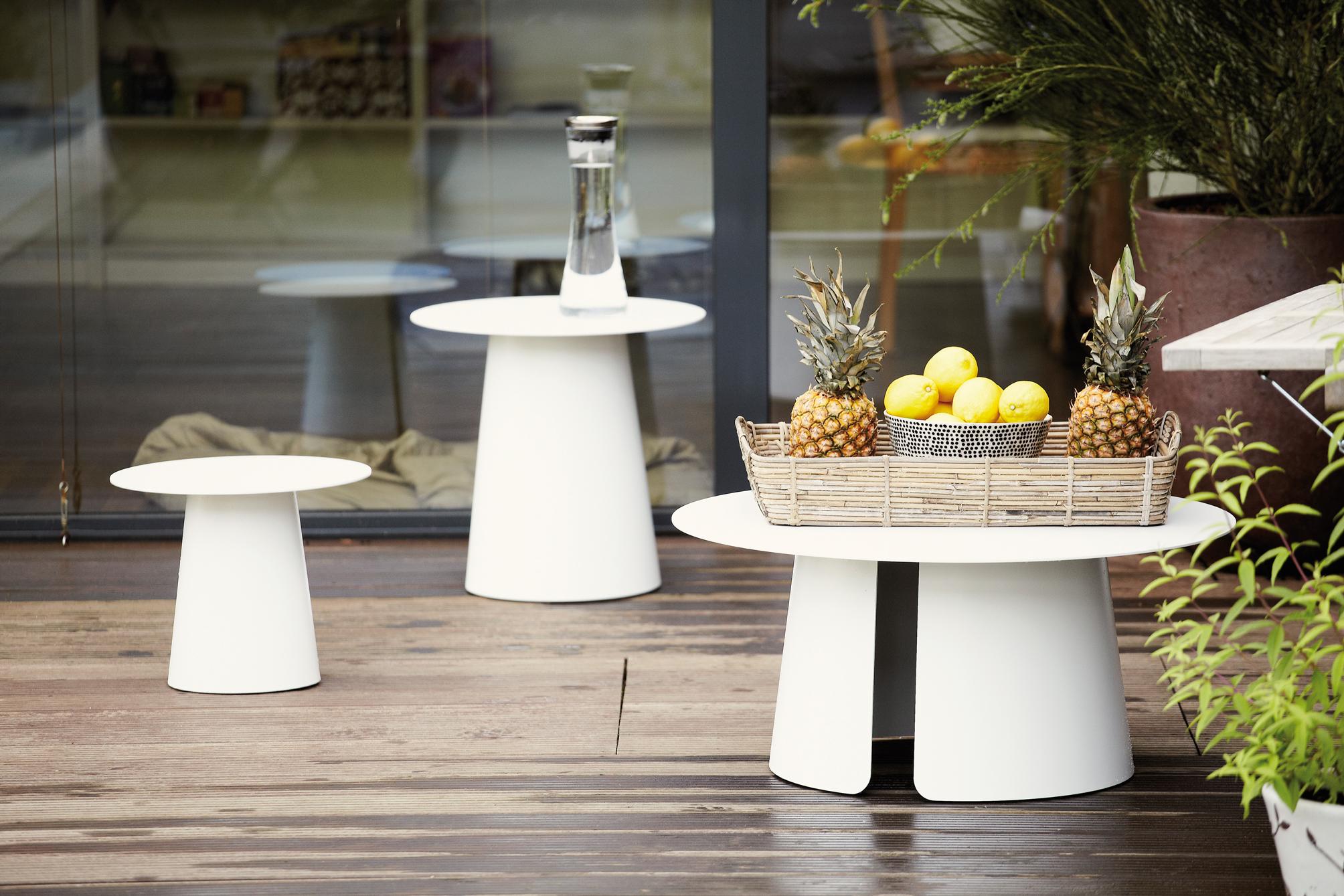 Jan kurtz feel tisch beistelltisch teakwoodstore24 for Kleiner beistelltisch rund