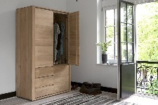 Ethnicraft Oak Shadow Dresser - Kleiderschrank